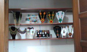 Tienda Artesanal- Collates, aretes, relojes Okamas
